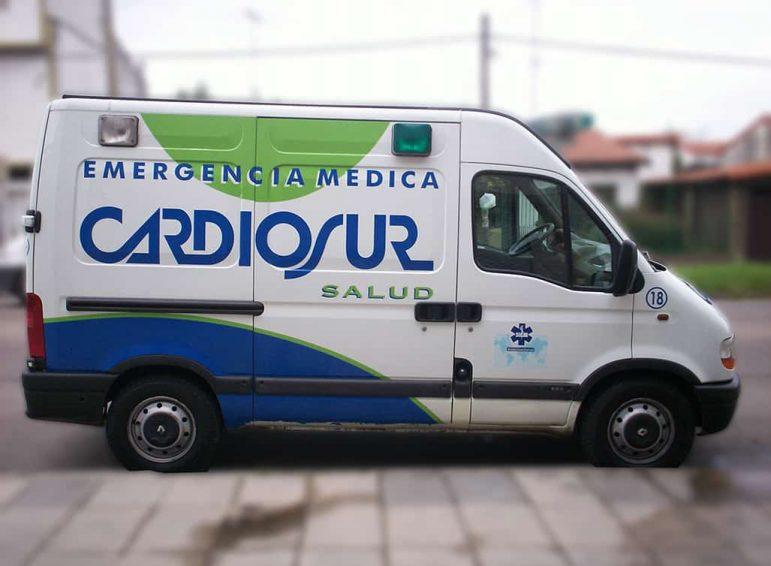 Ploteo completo impreso para camioneta de emergencia médica